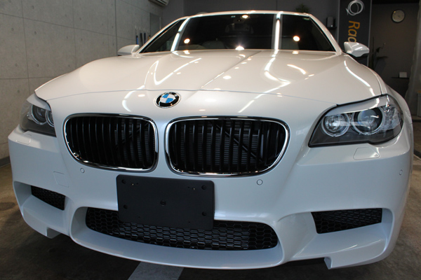 BMW M5 フロントバンパー1