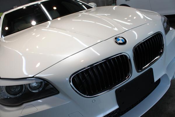 BMW M5 ボンネット1