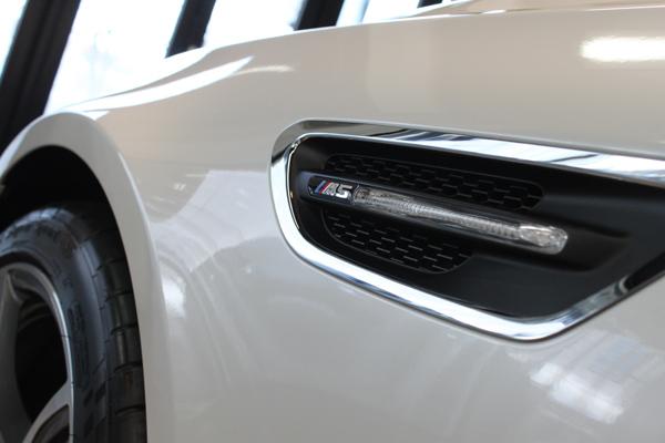 BMW M5 左フェンダー2