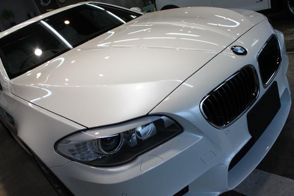 BMW M5 ボンネット2