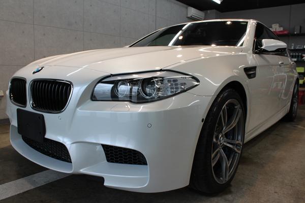 BMW M5 ヘッドライト