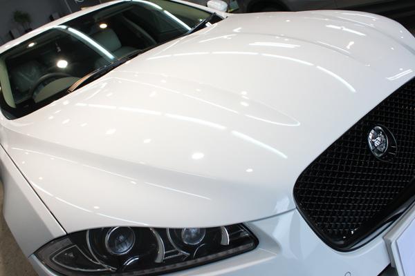 ジャガー XF ポラリスホワイト ヘッドライト