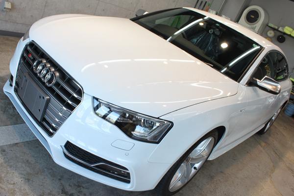 アウディ S5 グレイシアホワイトメタリック フロントバンパー1