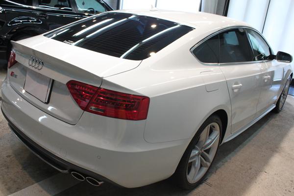 アウディ S5 グレイシアホワイトメタリック トランク