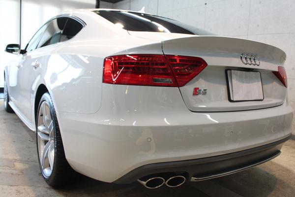 アウディ S5 グレイシアホワイトメタリック リアバンパー