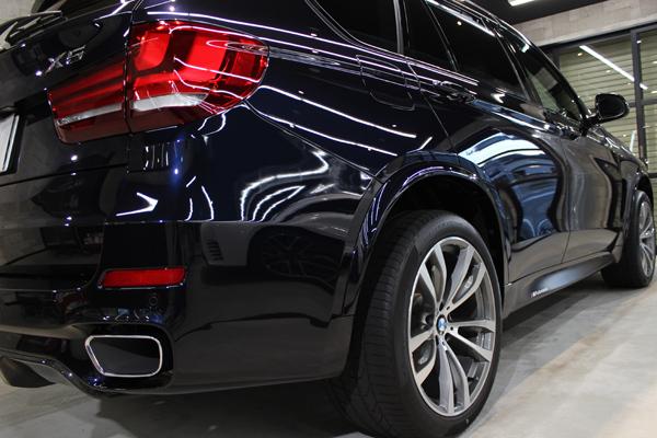 BMW X5 カーボンブラック テールレンズ