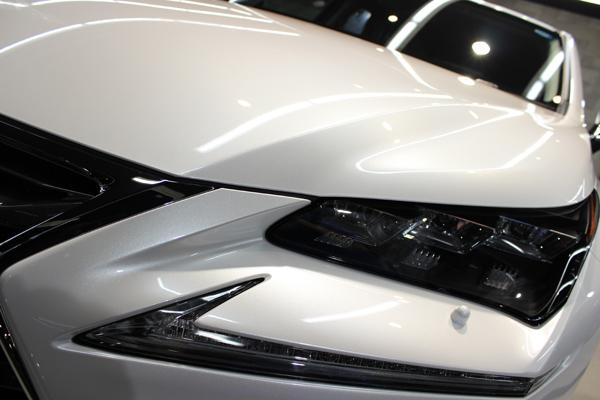 レクサス NX 200t ソニッククォーツ ヘッドライト