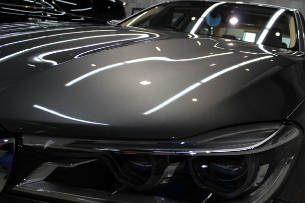 BMW740i マジェリングレーメタリック ボンネット