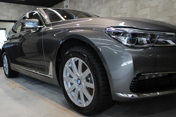 BMW740i マジェリングレーメタリック 右フェンダ