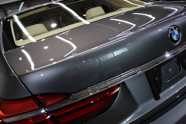 BMW740i マジェリングレーメタリック トランク