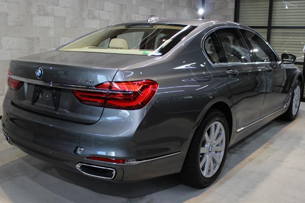 BMW740i マジェリングレーメタリック 右クォーター