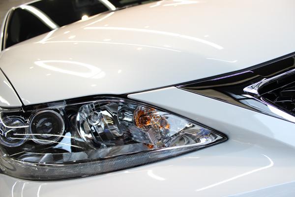 レクサス CT 200h Fスポーツ ホワイトノーヴァガラスフレーク ヘッドライト