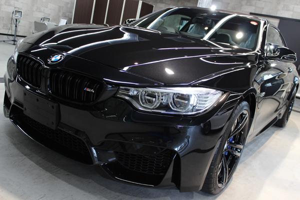 BMW M4 ブラックサファイア ボンネット1