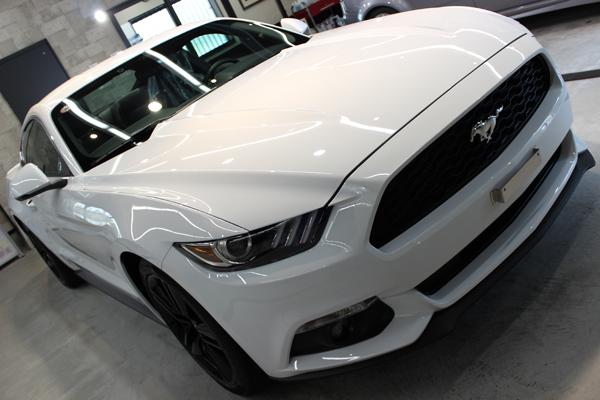 フォード マスタング オックスフォードホワイト ボンネット1