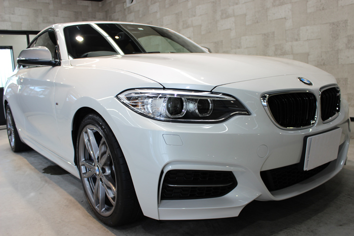 BMW M235i ミネラルホワイト Fバンパー1