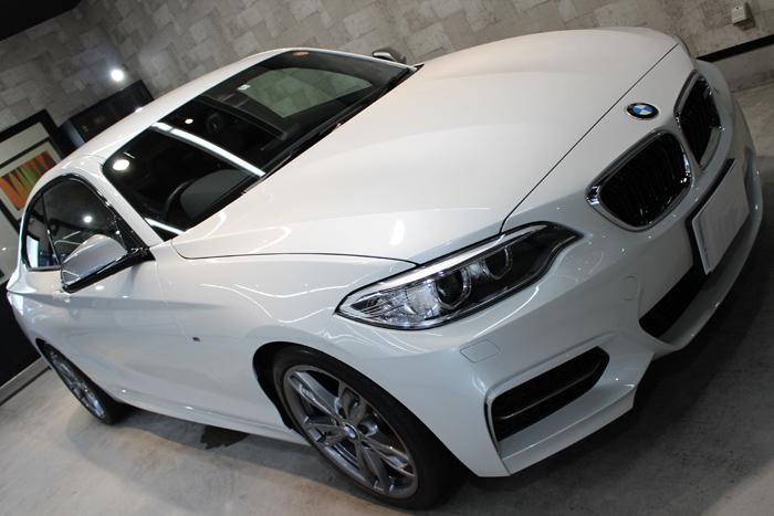 BMW M235i ミネラルホワイト ボンネット1