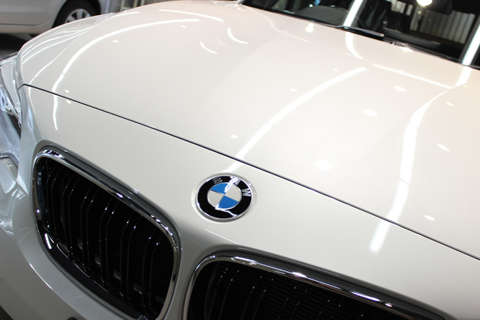 BMW M235i ミネラルホワイト キドニーグリル