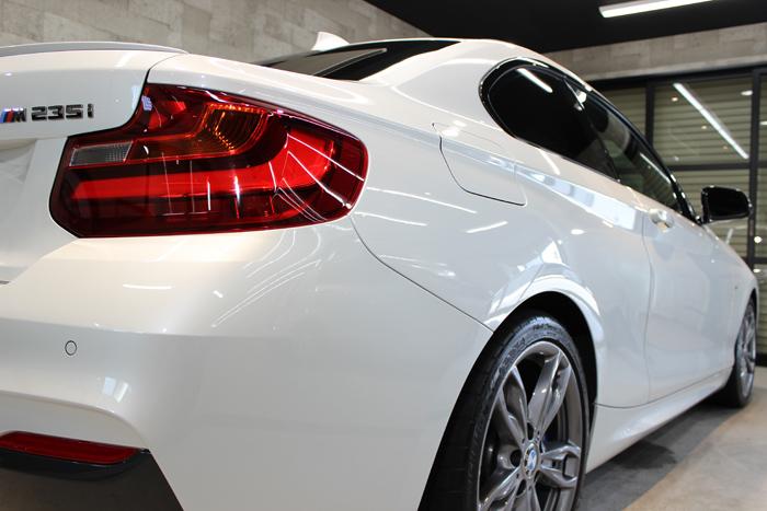 BMW M235i ミネラルホワイト テールレンズ2