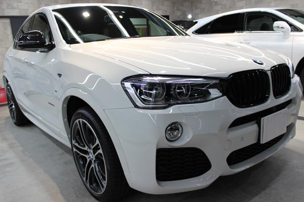 BMW X4 Mスポーツ アルピンホワイト ボンネット1