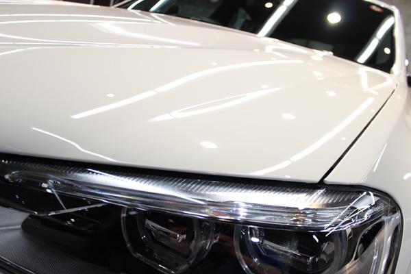 BMW X4 Mスポーツ アルピンホワイト ヘッドライト1