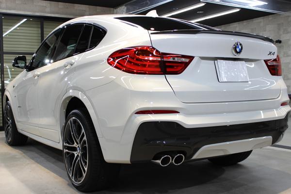 BMW X4 Mスポーツ アルピンホワイト リアバンパー