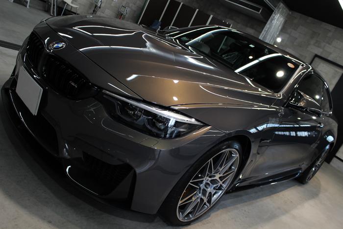 BMW M4 スタディ シャンパンクオーツ ボンネット1
