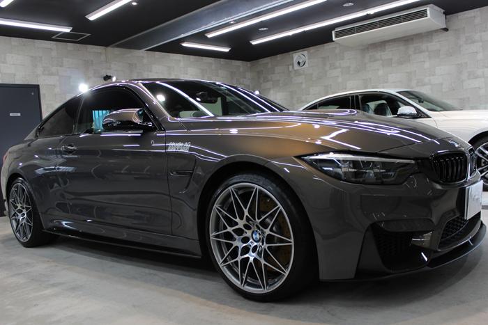 BMW M4 スタディ シャンパンクオーツ 左ホイール