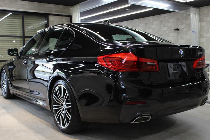 BMW 530i Mスポーツ ブラックサファイア リアバンパー