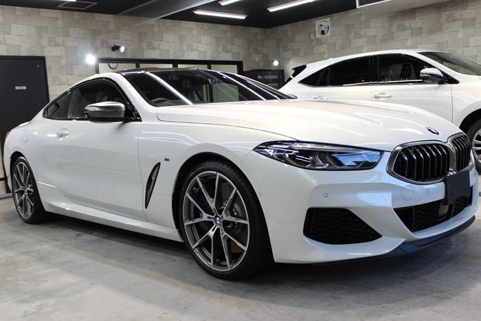 BMW M850i xDriveクーペ ミネラルホワイト ホイール右