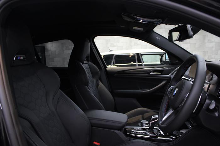 BMW X4 Mコンペティション メリノレザー 内装画像