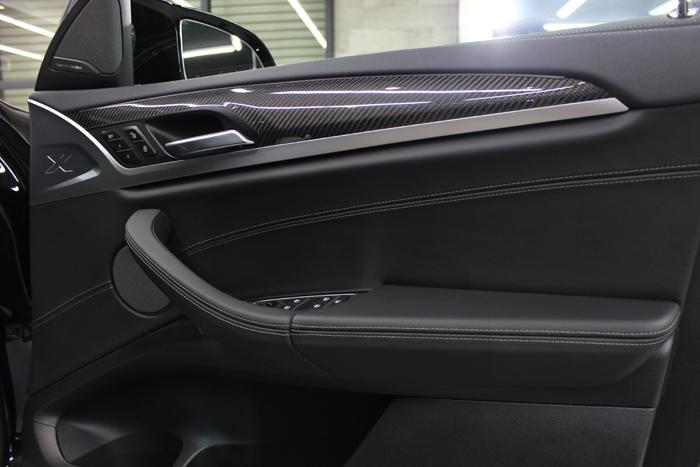 BMW X4 Mコンペティション メリノレザー ドアトリム