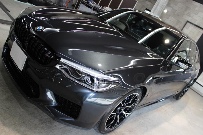 BMW M5コンペティション シンガポールグレー ボンネット左