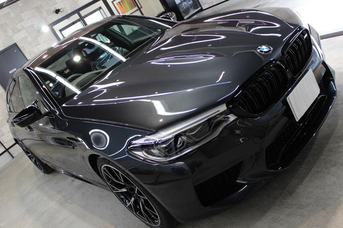 BMW M5コンペティション シンガポールグレー ボンネット右