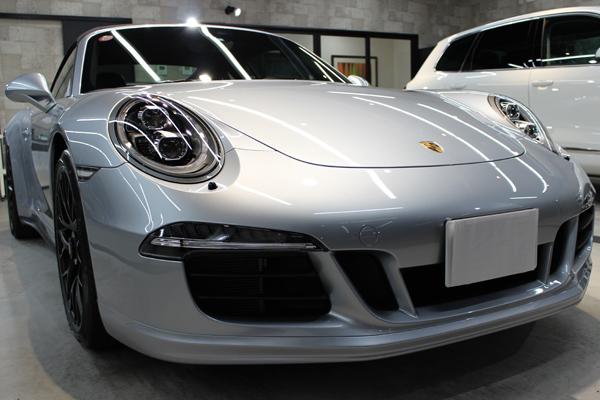 ポルシェ 911 GTS カブリオレ フロントバンパー