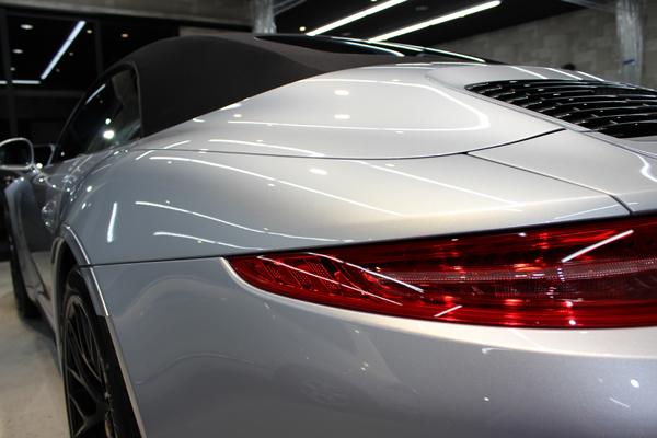 ポルシェ 911 GTS 左フェンダー