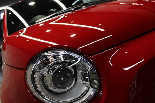 アバルト500 ロッソオフィチーナ ヘッドライト