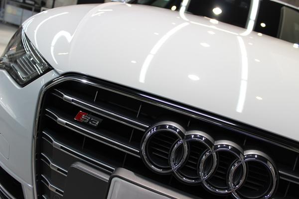 アウディ S3 グレイシアホワイトメタリック ボンネット