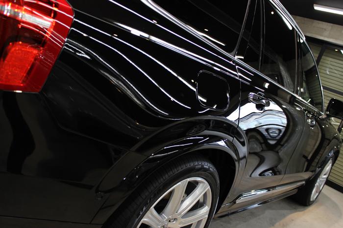 ボルボ XC90 T8 インスクリプション オニキスブラックメタリック 右ドア2