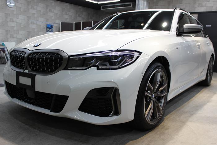 BMW M340i アルピンホワイト フロントバンパー左