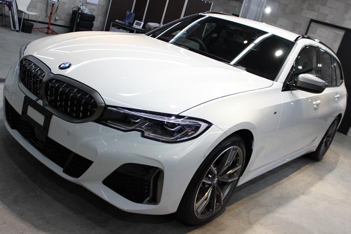 BMW M340i アルピンホワイト