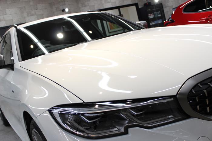 BMW M340i アルピンホワイト ボンネット