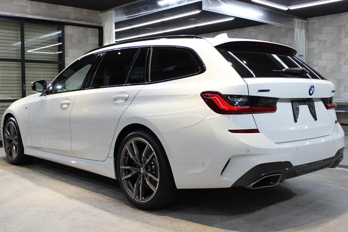 BMW M340i アルピンホワイト 左ドア