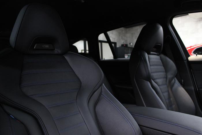 BMW M340i アルピンホワイト シートコーティング 運転席
