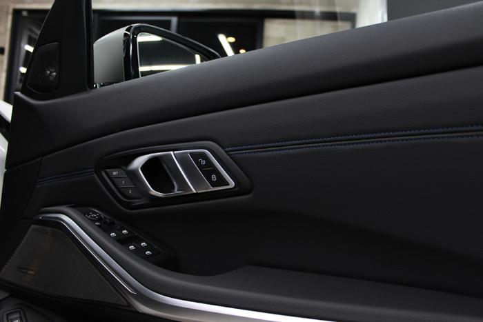 BMW M340i アルピンホワイト 内装コーティング ドアトリム