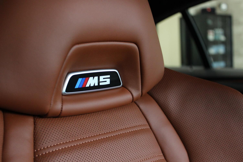 1626495724BMW M5 タンザナイトブルー シートコーティング 運転席.2.jpg