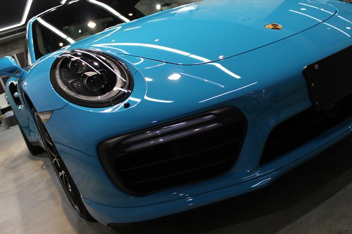 ポルシェ 911 ターボS マイアミブルー ヘッドライト