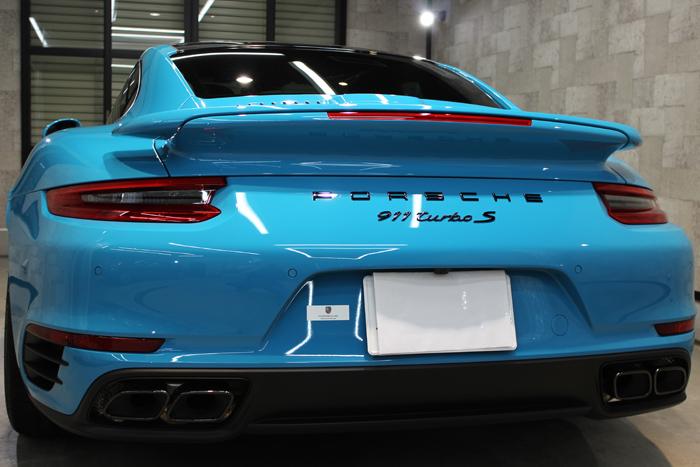 ポルシェ 911 ターボS マイアミブルー マフラー