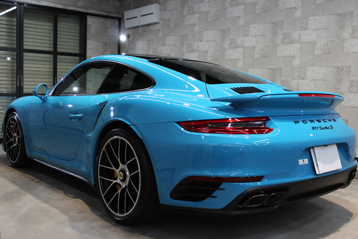 ポルシェ 911 ターボS マイアミブルー スポイラー