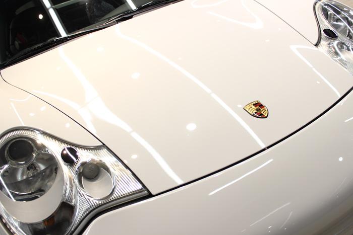 ポルシェ 911 GT3 996 キャララホワイト エンブレム