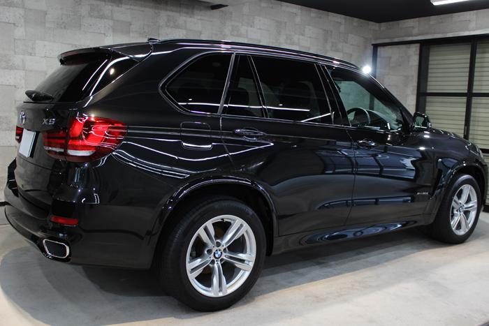 BMW X5 xDrive35d Mスポーツ ブラックサファイア 右ドア